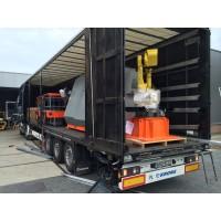 Dekker Machines en Service,Mechelaarstr 23,Oosterhout,laden fanuc robot